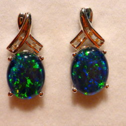 Ladies Opal Earring
